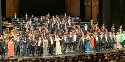 Schlussapplaus für das Staatsorchester und das Ensemble